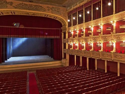 teatro politeama e greco lecce foto